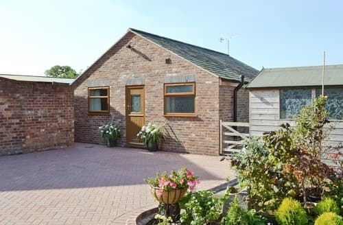 Last Minute Cottages - Inviting Chester Cottage S18148