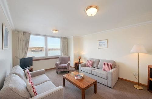 Last Minute Cottages - Inviting Oban Apartment S23095