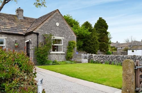 Last Minute Cottages - Beautiful Buxton Cottage S16518