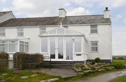 Big Cottages - Attractive Holyhead And Treaddur Bay Cottage S22065