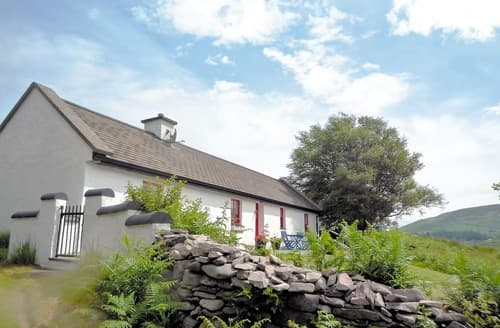 Last Minute Cottages - Hollyberry Cottage