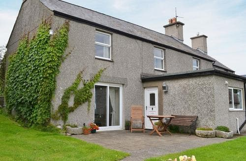 Last Minute Cottages - Beautiful Rhosneigr And Aberffraw Cottage S24738