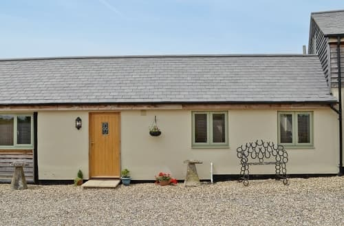 Last Minute Cottages - Quaint Royal Wootton Bassett Cottage S13725