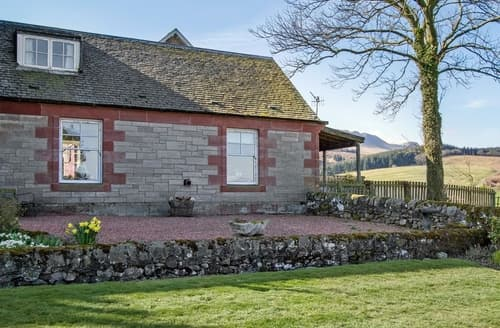 Last Minute Cottages - Cosy Callander Cottage S23243