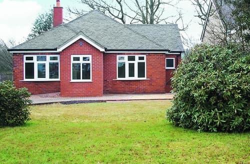 Last Minute Cottages - Excellent Leek Cottage S16025