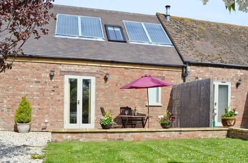 Dog Friendly Cottages - The Lodge at the Granary