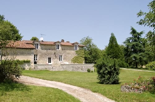 Last Minute Cottages - Splendid Villebois Lavalette Cottage S117262