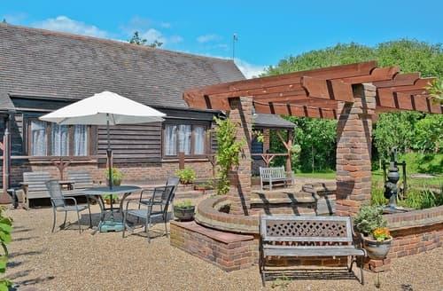 Last Minute Cottages - Apple Cottage - 27442
