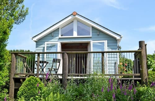 Last Minute Cottages - Beautiful St Austell Cottage S21150