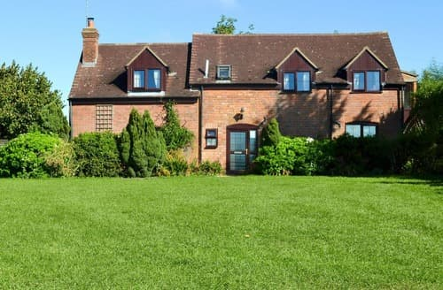 Dog Friendly Cottages - Excellent Gloucester Cottage S16236