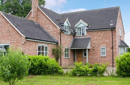 Last Minute Cottages - Heckingham Manor