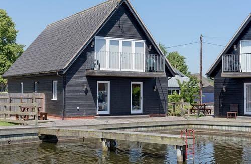 Big Cottages - Puddle Inn Duck