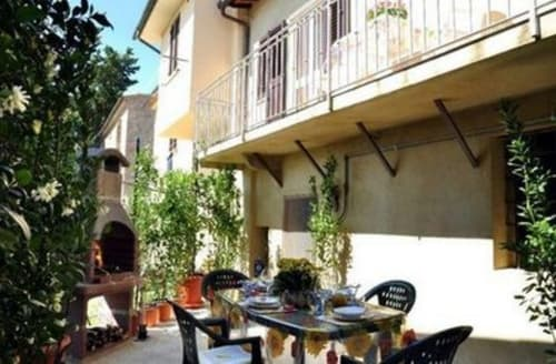Last Minute Cottages - Excellent Pisa And Livorno Apartment S119860