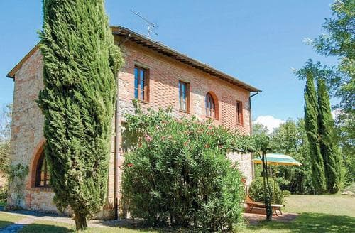 Last Minute Cottages - Superb Pisa And Livorno Apartment S119868