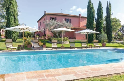 Last Minute Cottages - Villa Volpaia