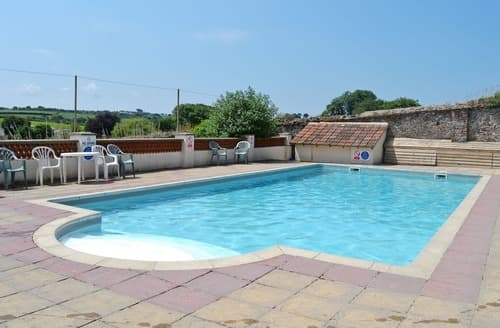 Last Minute Cottages - Luxury Torrington Lodge S19235