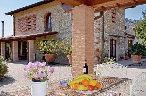 Last Minute Cottages - Cosy Pisa And Livorno Apartment S119858