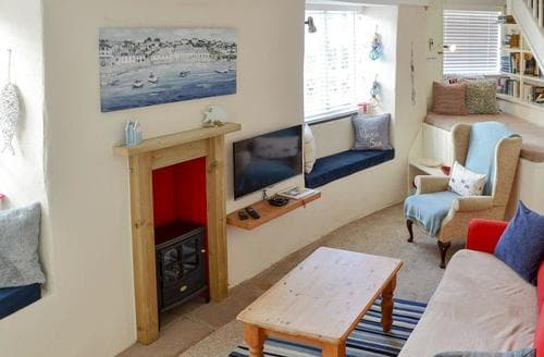Last Minute Cottages - Cosy Mevagissey Cottage S21091