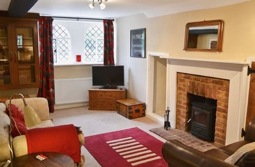 Last Minute Cottages - Luxury Maidstone Apartment S24500