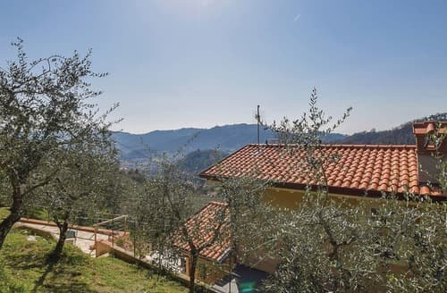 Last Minute Cottages - Luxury Versilia Cottage S120476