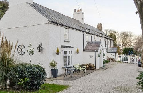 Last Minute Cottages - Wonderful Colwyn Bay Cottage S22419