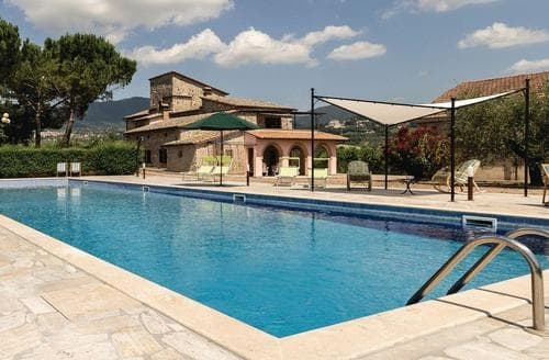 Last Minute Cottages - Beautiful Perugia And Assisi Cottage S120046