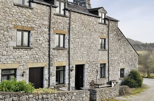Last Minute Cottages - Adorable Silverdale Apartment S18256