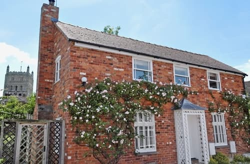 Last Minute Cottages - Gorgeous Tewkesbury Cottage S24896