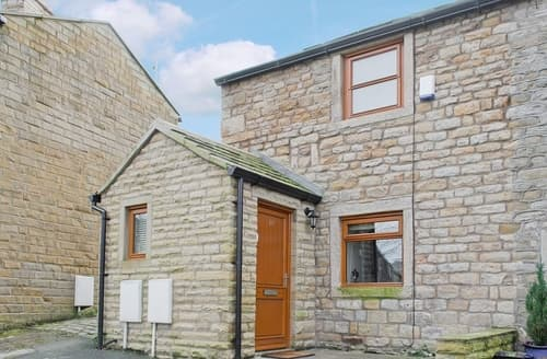 Last Minute Cottages - Beautiful Clitheroe Cottage S18227