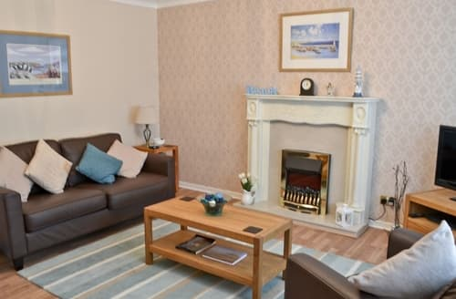 Last Minute Cottages - Inviting Seahouses Cottage S14686