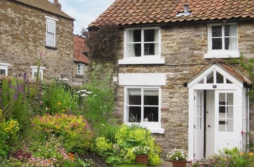 Last Minute Cottages - Luxury Scarborough Cottage S15462