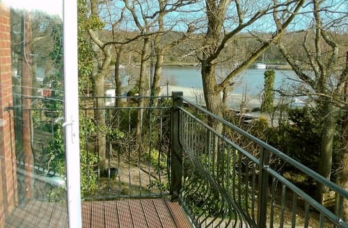 Last Minute Cottages - Excellent Ryde Apartment S14305
