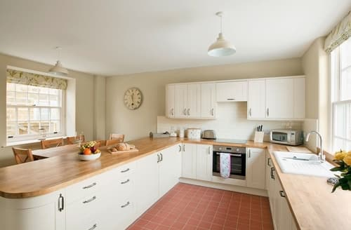 Last Minute Cottages - Lovely Scarborough Cottage S15430