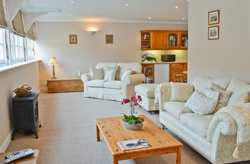 Last Minute Cottages - Nollsfield Lodge