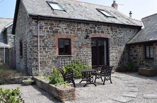 Last Minute Cottages - Cosy Hartland Cottage S19136