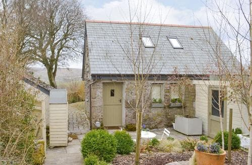 Last Minute Cottages - Hatchwell Lodge