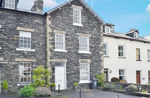 Big Cottages - Wonderful Windermere Cottage S18745