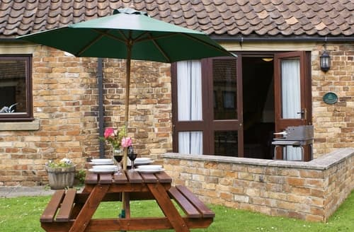 Last Minute Cottages - Inviting Cayton Cottage S14985