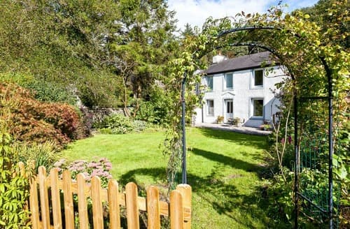 Last Minute Cottages - Logwood House
