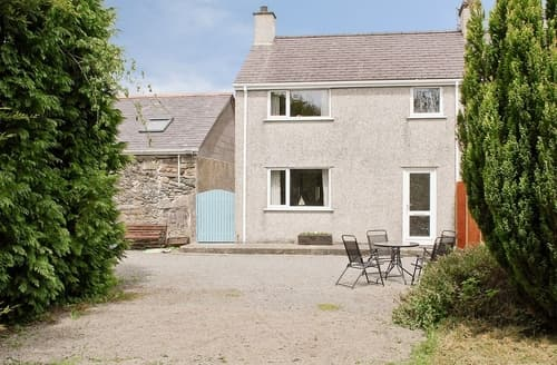 Last Minute Cottages - Splendid Rhosneigr And Aberffraw Cottage S24749