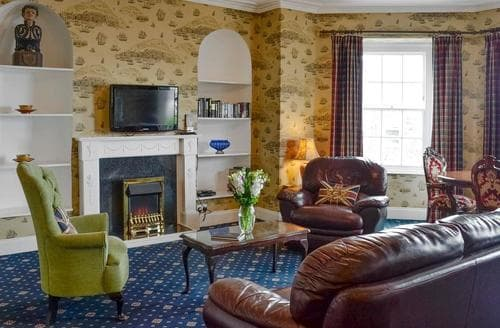 Last Minute Cottages - Captivating Ilfracombe Apartment S19182