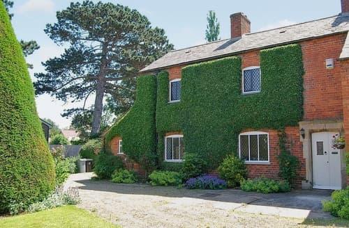 Last Minute Cottages - Park House