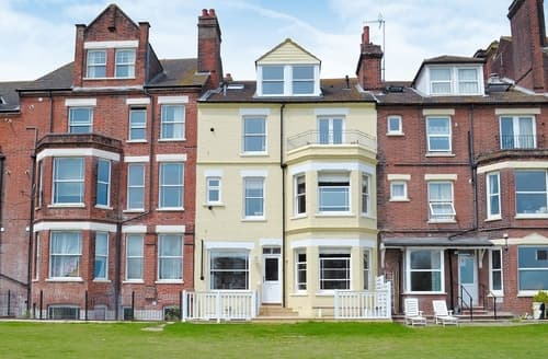 Last Minute Cottages - Inviting Cromer Apartment S17113