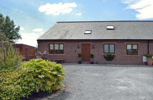 Last Minute Cottages - Excellent Blackpool Cottage S37389