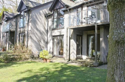 Last Minute Cottages - Excellent Ambleside Apartment S18290