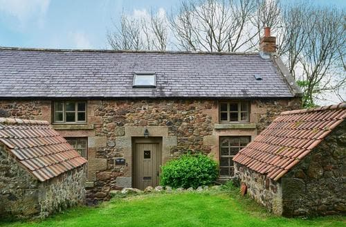 Big Cottages - Inviting Wooler Cottage S14724