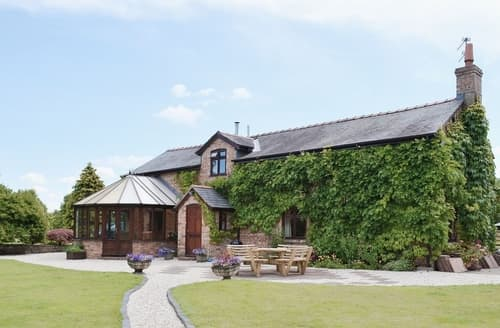 Last Minute Cottages - Exquisite Oswestry Cottage S16843