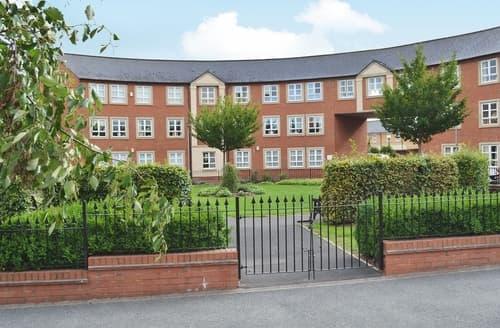 Last Minute Cottages - Quaint York Apartment S24865