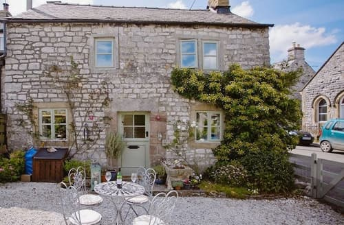 Last Minute Cottages - Gorgeous Tideswell Cottage S16689