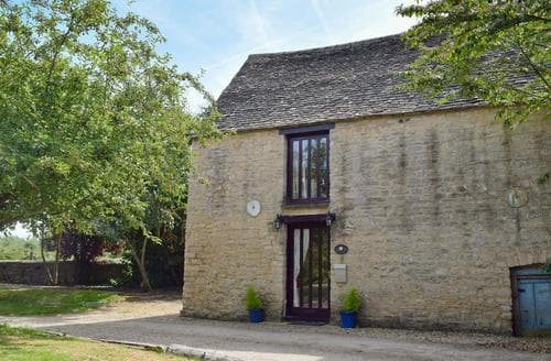 Last Minute Cottages - Inviting Oxford Cottage S24874